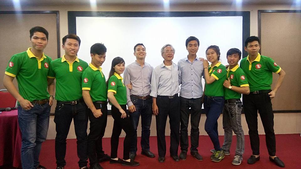 Đội ngũ nhân viên của phòng hội thảo