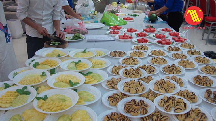 Tổ chức bữa trưa và giải lao giữa giờ trong tổ chức sự kiện như thế nào?
